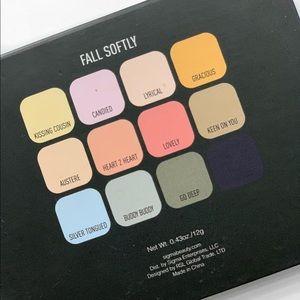 Sigma Beauty: Fall Softly Eyeshadow Palette